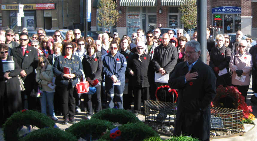 Nov-11-RH-Town-Wreath-Mayor-Barrow